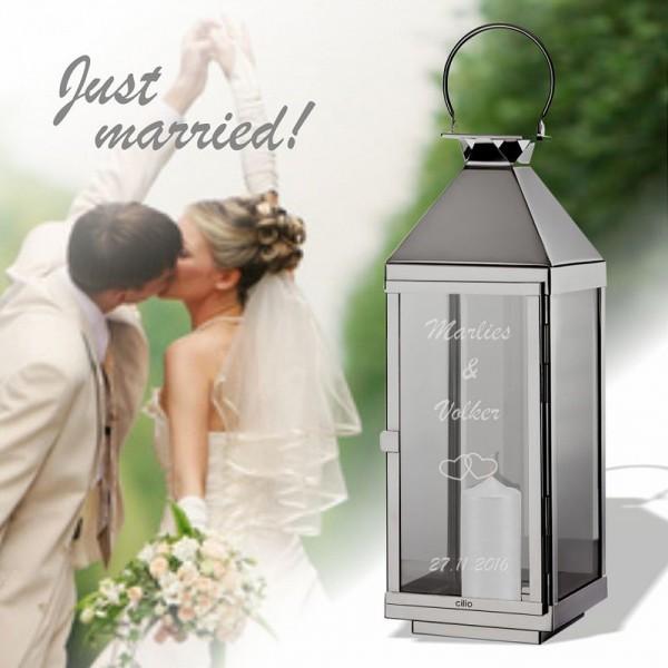 Die Hochzeitslaterne mit Gravur ist ein wundervolles Geschenk für das Brautpaar zur Hochzeit