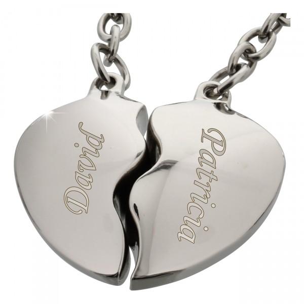 Dieser hochwertige Partner-Schlüsselanhänger aus Metall besteht aus zwei Herzhälften, die erst gemeinsam ein ganzes ergeben!