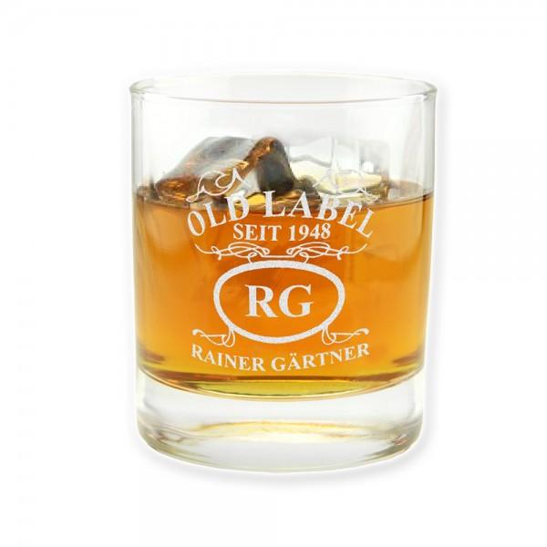 """Unser personalisiertes Whiskyglas """"Old Label"""" wird mit Deinem Namen, den Initialen und dem Geburtsjahrgang graviert!"""